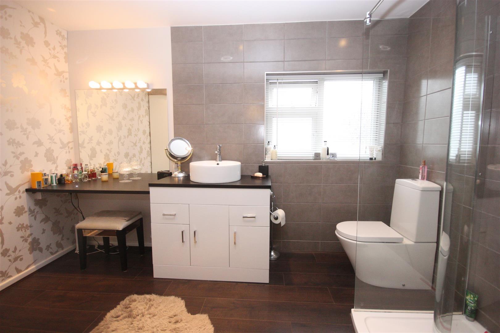 En-Suite and Dressing Room